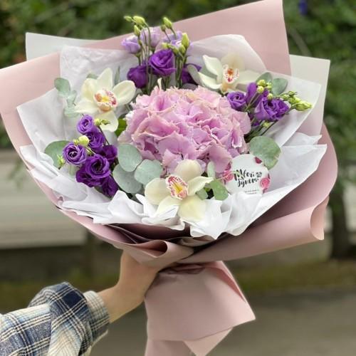 Купить на заказ Букет гортензия с орхидеей  с доставкой в Туркестане