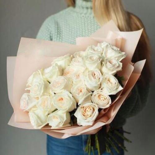 Купить на заказ Букет из 31 белой розы с доставкой в Туркестане