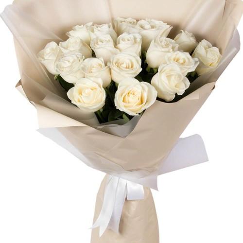 Купить на заказ Букет из 19 белых роз с доставкой в Туркестане