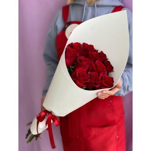 Купить на заказ 15 красных роз с доставкой в Туркестане