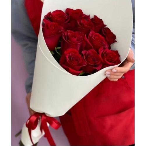 Купить на заказ Букет из 11 красных роз с доставкой в Туркестане