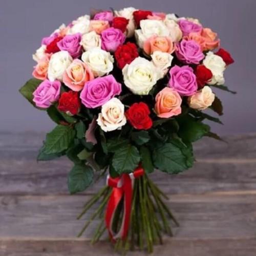 Купить на заказ Букет из 31 розы (микс) с доставкой в Туркестане